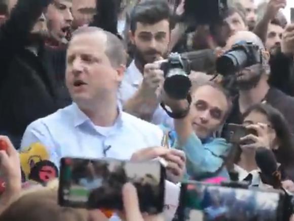Кандидат в президенты Грузии был задержан на фестивале марихуаны, после того как начал раздавать косяки всем желающим
