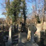вышел покурить – кладбище